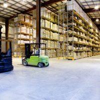 Nên mua xe nâng điện 1.5 tấn nhập khẩu hay xe nâng điện đã qua sử dụng