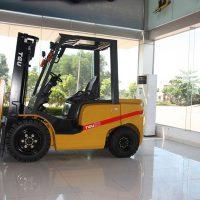 Xe nâng chạy dầu diesel TEU Hà Nội tốt nhất