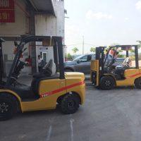 Xe nâng kẹp gạch Trung Quốc mới 2019